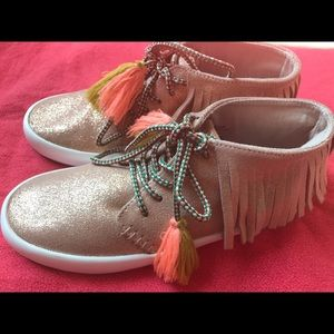 Zara Girls Gold Moccasin  style sneakers.